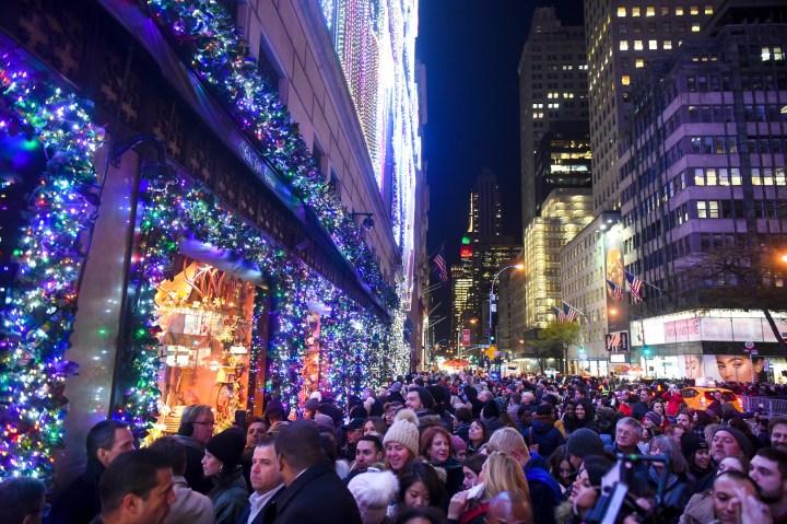 Saks-Fifth-Avenue crowd